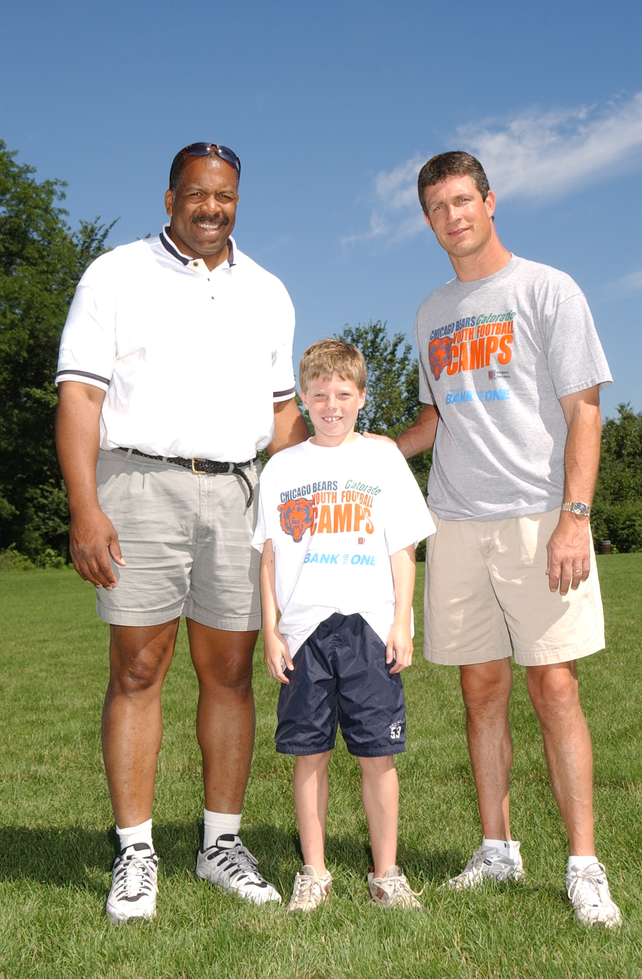 New Alumni Heroes Lend Support to Chicago Bears Youth Football Camp  for sale